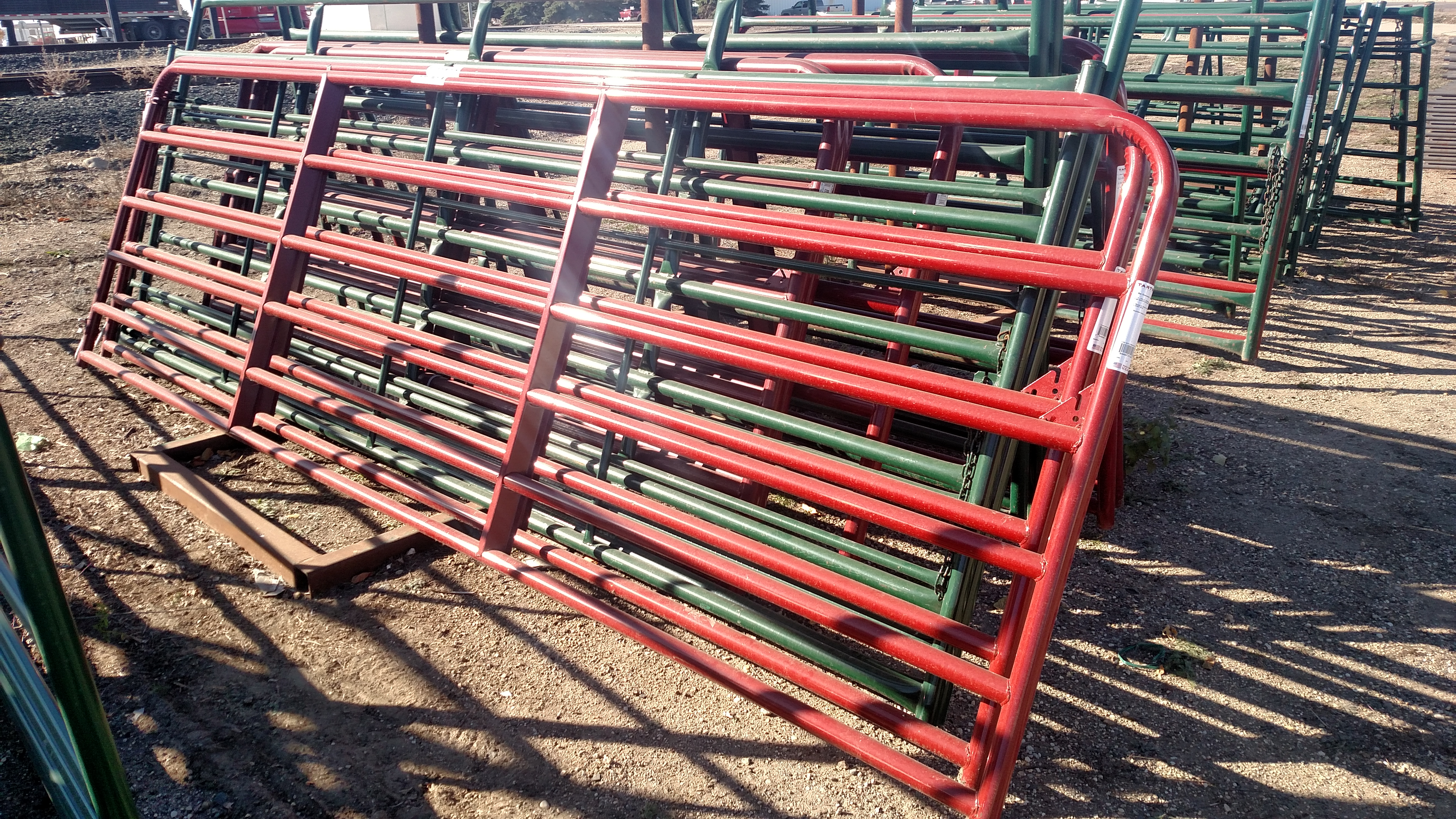 tarter pen adjustable trailer versatile pin removable from the star livestock system most feeders feeder trailers and